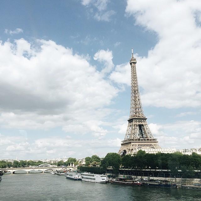 ➡️ En route vers @marksandspencerfr des Champs Elysées. Je vous…