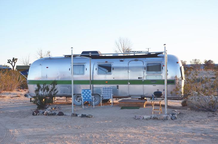 la caravane dans le d sert am ricain les demoizelles. Black Bedroom Furniture Sets. Home Design Ideas