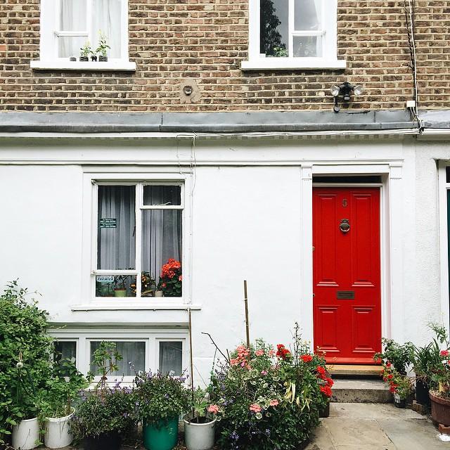 La porte rouge ❤️ #london #celinemarks