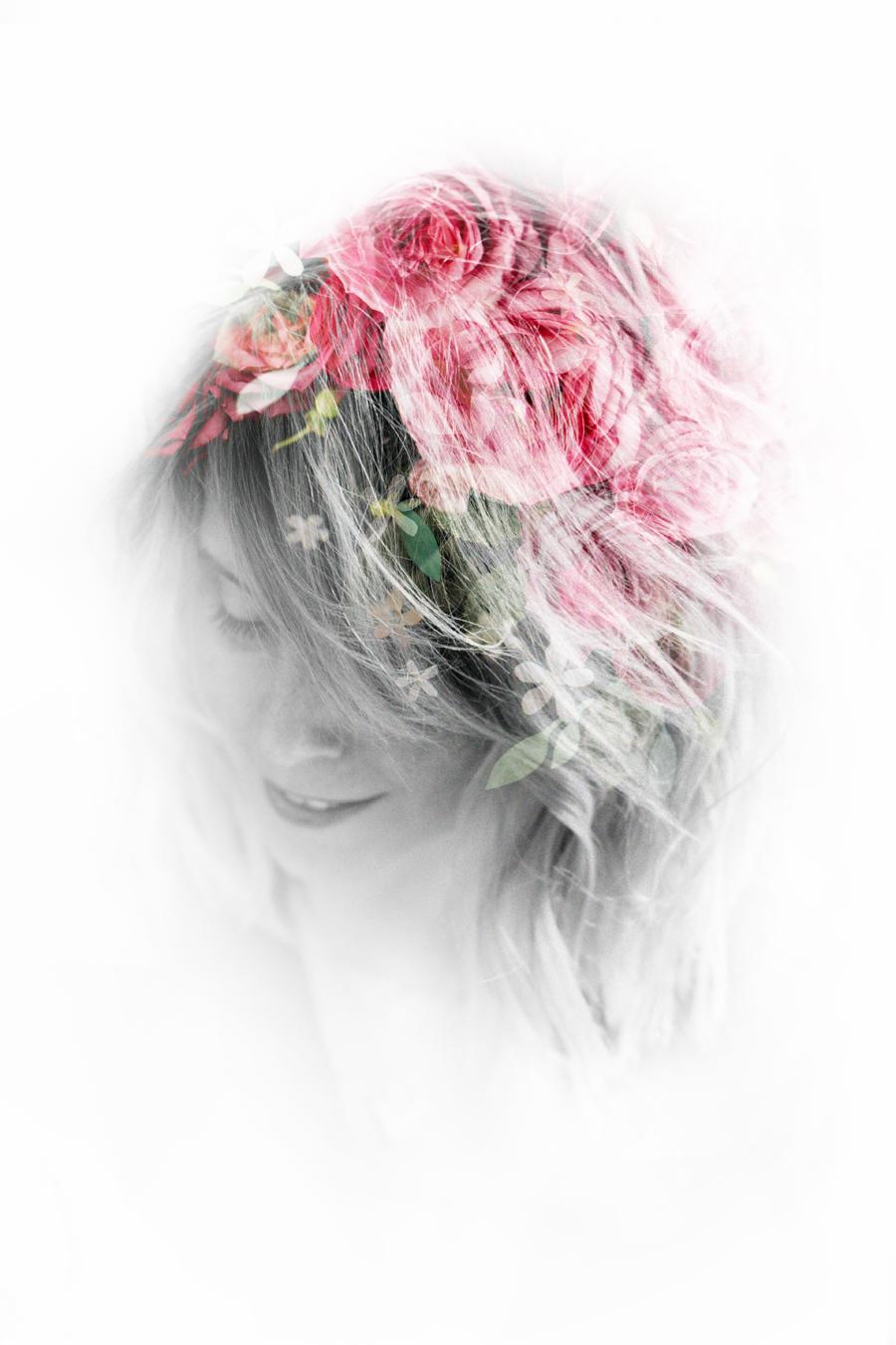 flowerbomb_bloom_viktor_&_rolf_parfum_8