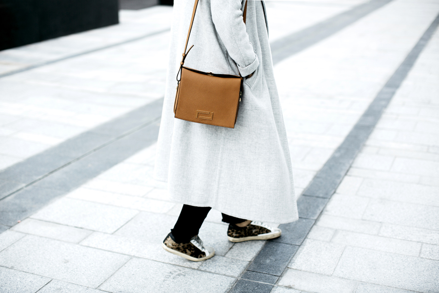look_la_parisienne_sac_pia_lancel_manteau_jim_sezane_1