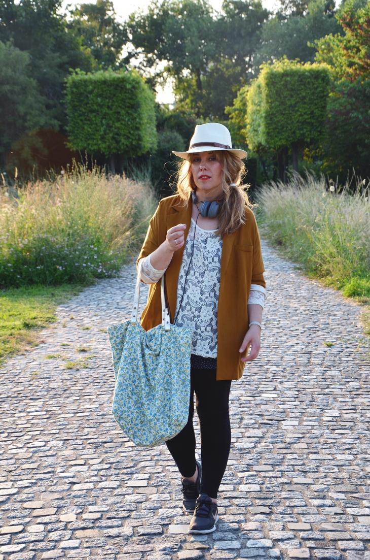 2013أزياءدوناتيلا فيرساتشي لخريف وشتاء2012 – 2013كوكتيل أحذية جوزيبي زانوتي لخريف